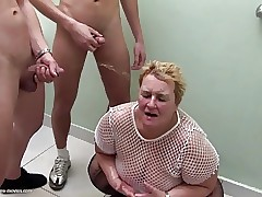 Pee sex videos - mom fucks neighbor